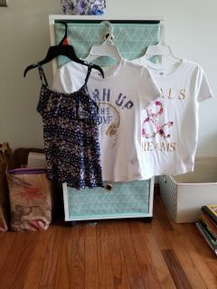 Really cute girls size 10/12 Old Navy tops