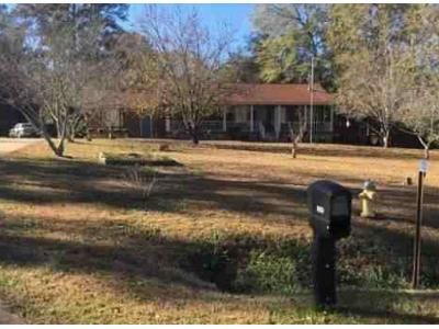 3 Bed 2 Bath Foreclosure Property in Macon, GA 31216 - Edwards Dr