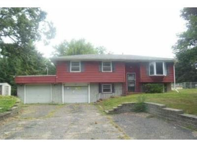 4 Bed 1.5 Bath Foreclosure Property in Minneapolis, MN 55448 - 111th Ave NW