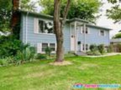 Spacious House for Rent in Woodbridge Five BR/Three BA