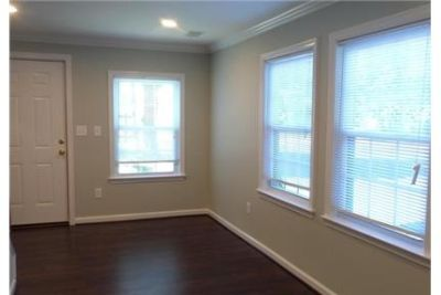 Great location - Middleburg east. Washer/Dryer Hookups!