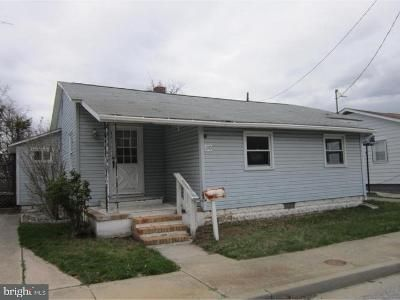2 Bed 1 Bath Foreclosure Property in Penns Grove, NJ 08069 - Market St