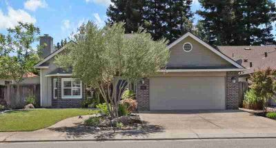 2402 West Tokay Street LODI Three BR, Gracious living at an
