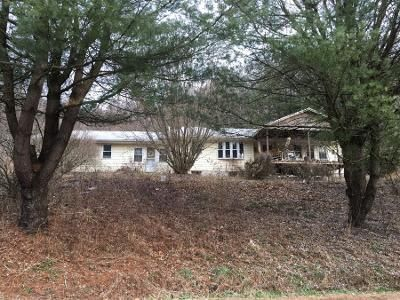 3 Bed 1 Bath Preforeclosure Property in Kittanning, PA 16201 - Seldom Seen Rd