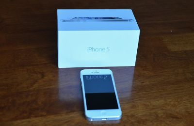 White iPhone 5 16 gb for sale