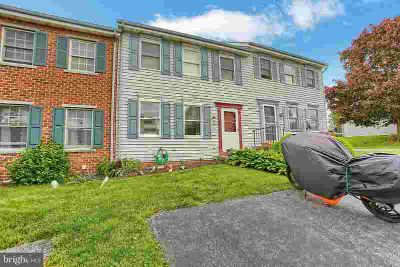 14 Cranfield CT ELIZABETHTOWN Three BR, Convenient and move in