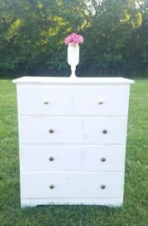 FARMSTYLE DRESSER/ CHEST OF DRAWERS