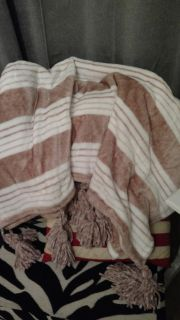Soft Throw Blanket with large tassels NWOT