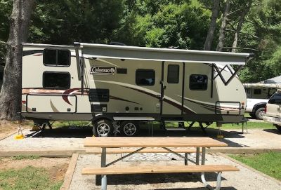 2018 Coleman LIGHT 2405BH
