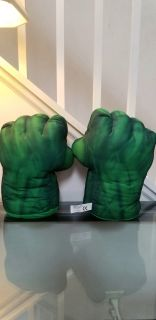 Incredible Hulk Electronic Talking Smash Hands Gloves Plush Fists Marvel