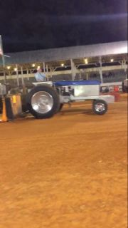 560 IH Pulling Tractor