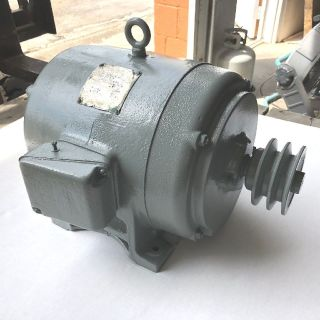 Newman 2HP Electric Motor 3PH 860RPM FRAME 215