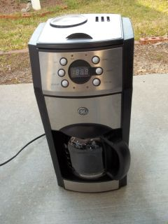 Coffee Maker w/Grinder
