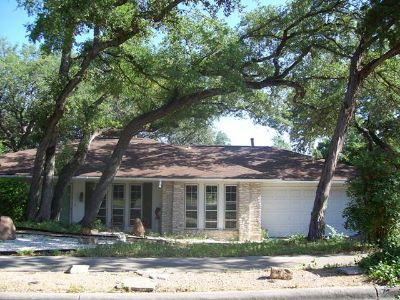 $775, 4br, Bright  Clean Master BedroomBathroom in Zen DecoRanch Houseshare, No Preference