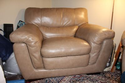 Beautiful, Comfortable Leather Couch and Chair (Matching)