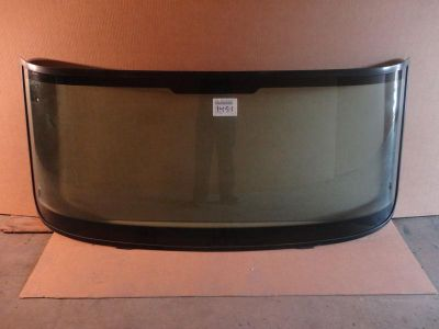 Sell 2001-2006 NAVISTAR 700,400,4300,4400,8000 FRONT GLASS WINDSHIELD WINDOW #1451GTY motorcycle in Orlando, Florida, US, for US $125.00