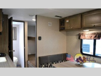 New 2018 Dutchmen RV Coleman Lantern LT Series 17FQWE