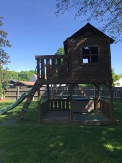 Free Kids play structure