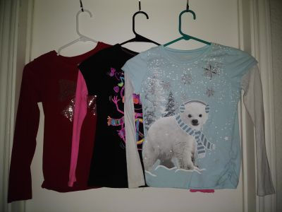 Girls long sleeve tops size 7/8 GUC