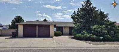 1709 Juniper Dr Grants Four BR, Very well maintained home in Los
