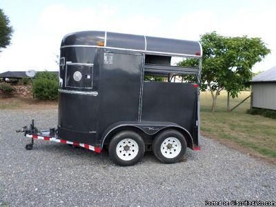 2001 Circle M Supreme 2 Horse trailer Straight Load Bumper Pull