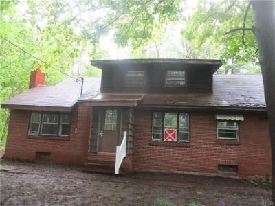4 Bed 1 Bath Foreclosure Property in Oswego, NY 13126 - County Route 57