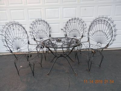 5 piece wrought Iron patio set