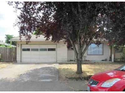 3 Bed 1 Bath Foreclosure Property in Salem, OR 97305 - Mall Ct NE