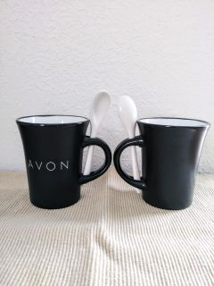 2 Mugs with Spoons