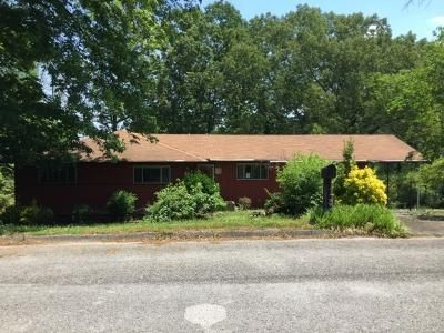 3 Bed 2 Bath Foreclosure Property in Chattanooga, TN 37406 - Hemingway Dr