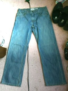 Levi's Signature Relaxed boys size 16 Reg jeans. NWOT. $8 Smoke free home.
