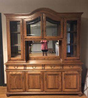 Beautiful Solid oak China Hutch. Excellent Condition.