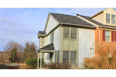 Beautiful 3 master bed, 3 full bath townhome.