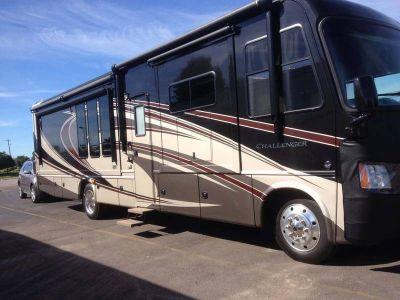 2013 Thor Motor Coach Challenger KT37