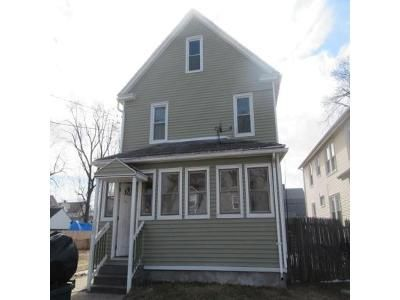 3 Bed 1 Bath Foreclosure Property in Springfield, MA 01104 - Miller St