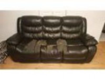 Free Leather Lounge