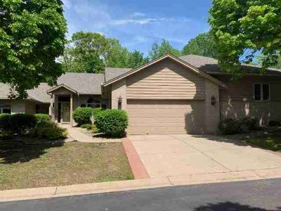 8865 Hunters Way APPLE VALLEY Three BR, Welcome to this