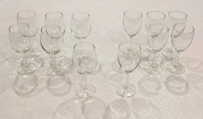 Set of 6 Red and 6 White Wine Glasses