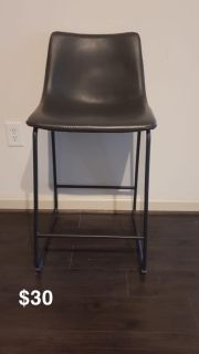 Bar table chairs - black