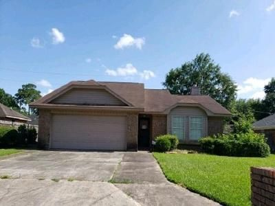 3 Bed 2 Bath Foreclosure Property in Beaumont, TX 77708 - Hidden Valley Dr