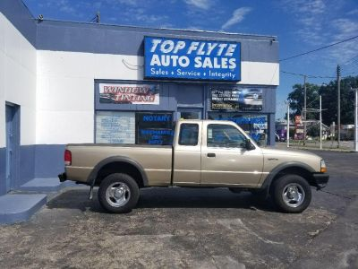 2000 Ford Ranger XL (Gold)