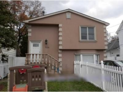 5 Bed 2 Bath Foreclosure Property in Staten Island, NY 10307 - Hylan Blvd