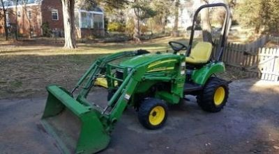2006 John Deere 2305 4x4 with Loader