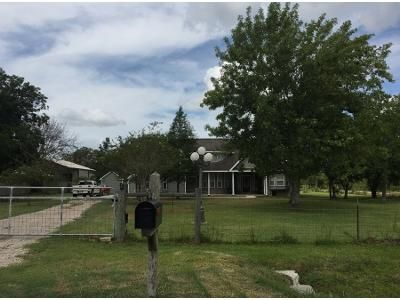 2.5 Bath Preforeclosure Property in Pearland, TX 77584 - N Wayne Ln