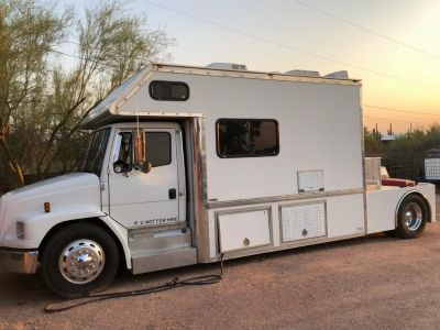 Beautiful Toterhome for sell or trade for Motor Home