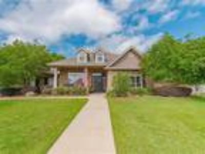 Five BR Three BA Home in Fairhope!