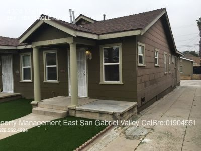 Completely remodeled 2 bedroom duplex home in Highland Park