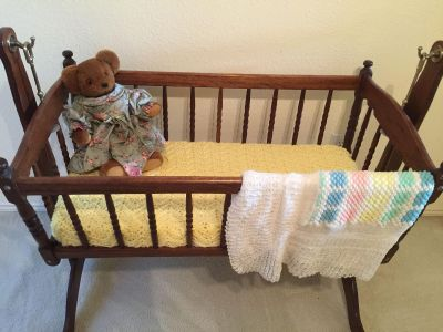 Baby bed / swing