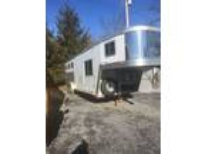 2001 Miscellaneous Exiss XT 308 3 Horse Trailer with Living Quarters