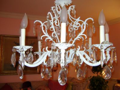 vintage 8 lite shabby chic chandelier with prisms